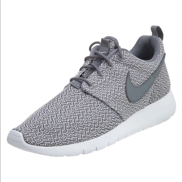 the best attitude fff8c 342aa 🌹SALE🌹 NIKE ROSHE ONE WOMENS SHOES GREY NEW NWT